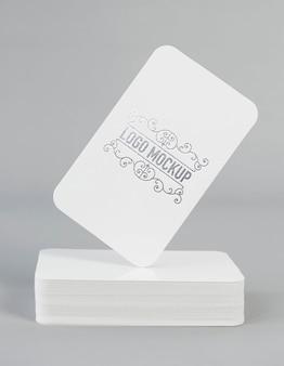 Maquete do logotipo da folha de prata