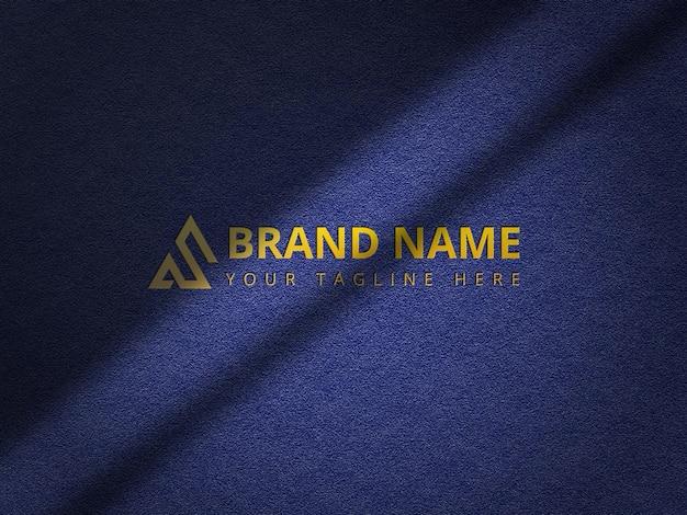 Maquete do logotipo em relevo no fundo de papel