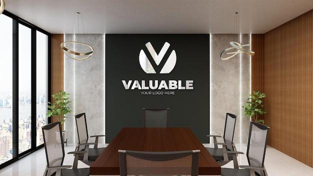 Maquete do logotipo prateado no interior luxuoso do design da sala de reuniões