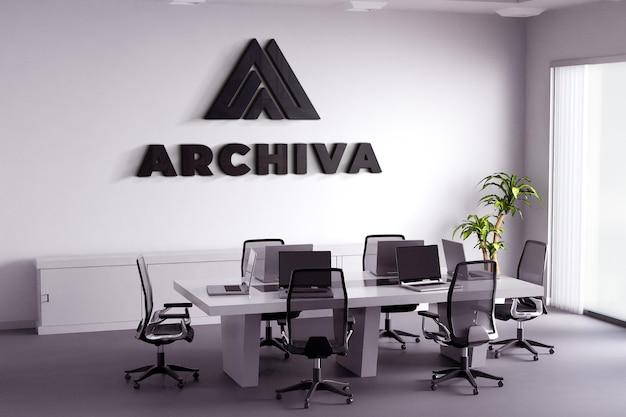 Maquete do logotipo preto na parede branca da sala de reuniões