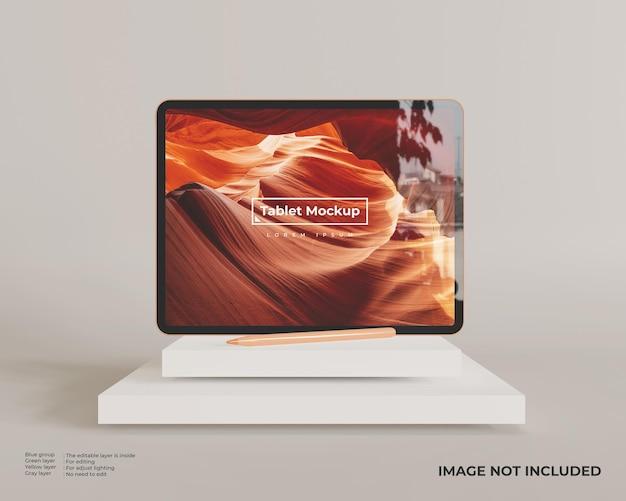 Maquete do tablet no modo paisagem com caneta parece vista frontal