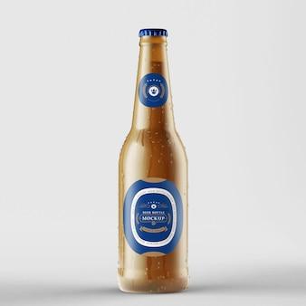 Maquete fotorrealista de garrafa de cerveja