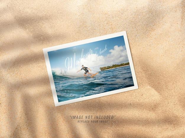 Maquete horizontal de fotos na praia