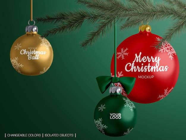 Maquete isolada de decoração de bolas de natal em um galho de árvore de natal