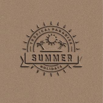 Maquete para o logotipo de verão na textura