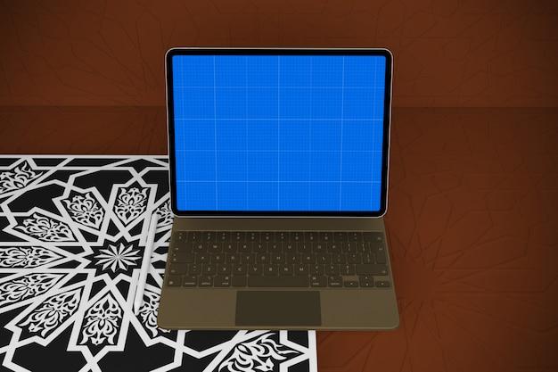 Maquete para tablet e teclado em árabe