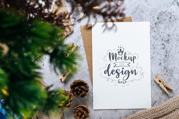 Maquete psd de cartão de felicitações de papel
