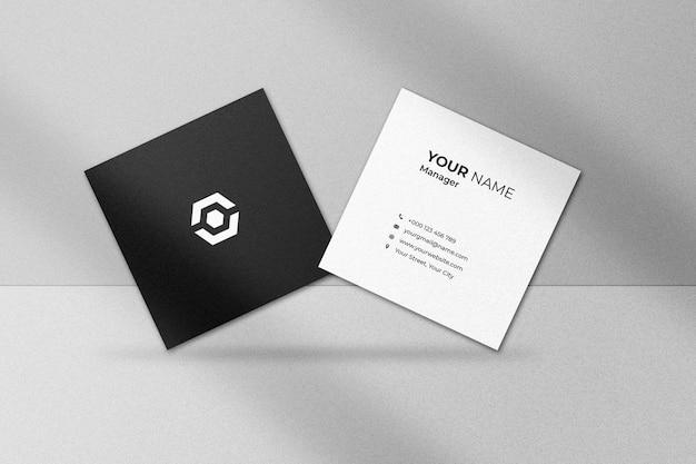 Maquete quadrada de cartão com sombra
