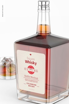 Maquete quadrada de garrafa de uísque, close-up