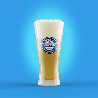 Maquete realista de copo de cerveja