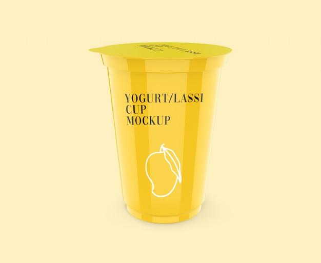 Maquete realista de copo de iogurte