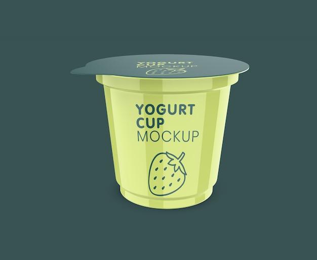 Maquete realista de copo pequeno de iogurte