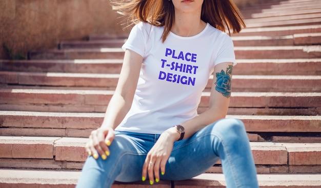 Maquete realista de nova camiseta psd
