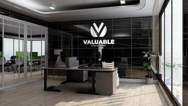Maquete realista do logotipo da empresa na sala do gerente de escritório com interior de design luxuoso de parede preta