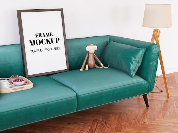 Maquete realista no sofá verde