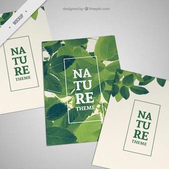 Maquetes de folhetos com folhas verdes
