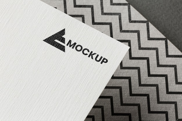 Marca da empresa na composição da maquete do cartão