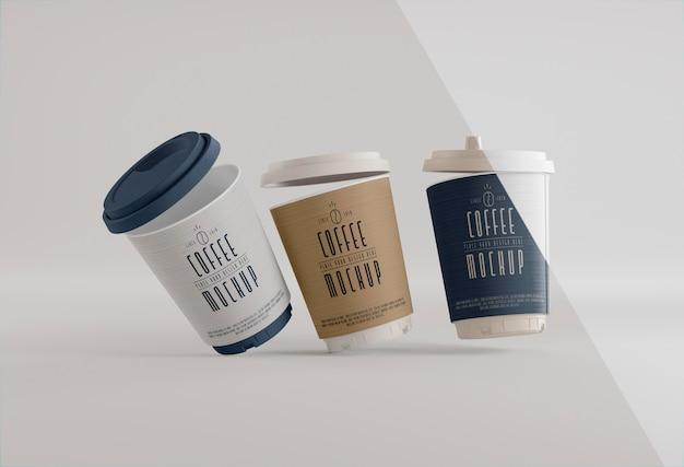 Marca de café com maquete de xícaras