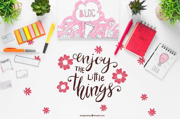 Material de escritório de cadernos e mensagem motivacional