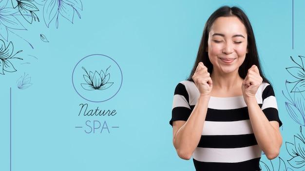 Menina e logotipo de maquete de spa de natureza
