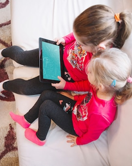 Meninas jovens, usando, tabuleta