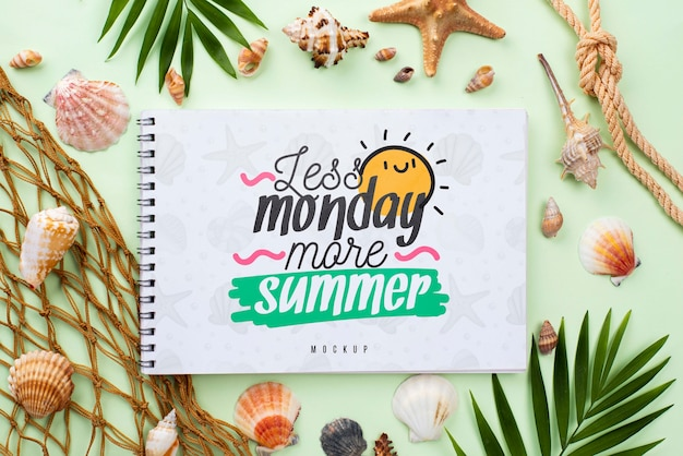 Mensagem de verão náutico no modelo de notebook