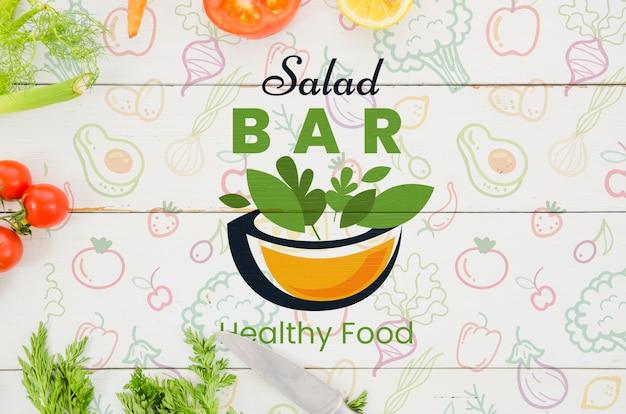 Menu de saladas com legumes frescos