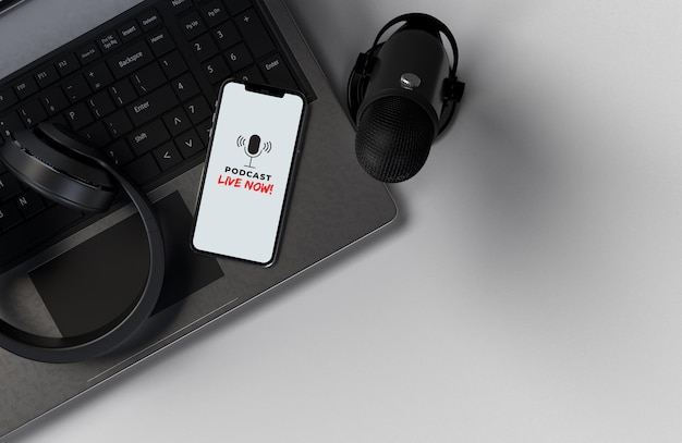 Microfones com smartphone e laptop para uma conferência de imprensa, palestra, podcast ou entrevista