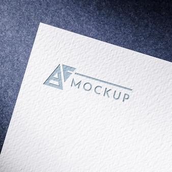 Mock-up cartão de papel comercial com superfície texturizada