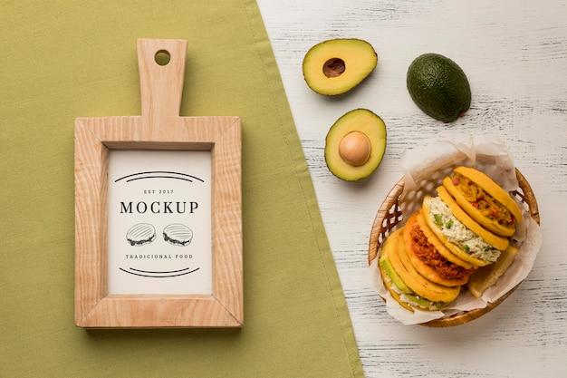 Mock-up de abacate e tortilhas