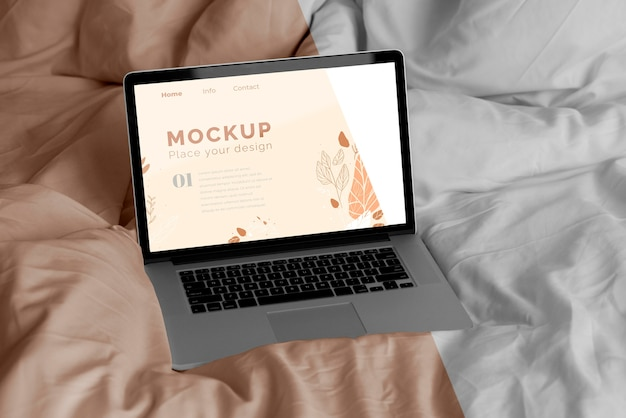 Mock up laptop no quarto Psd Premium