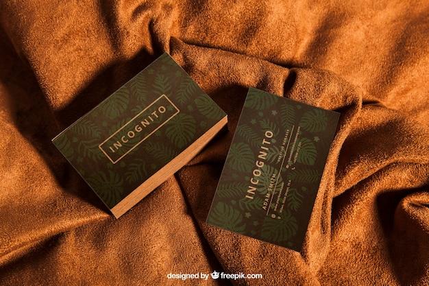 Mockup de cartão de visita em têxtil