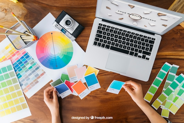 Mockup de designer gráfico criativo