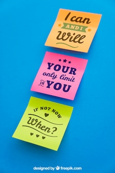 Mockup de notas adesivas com citações