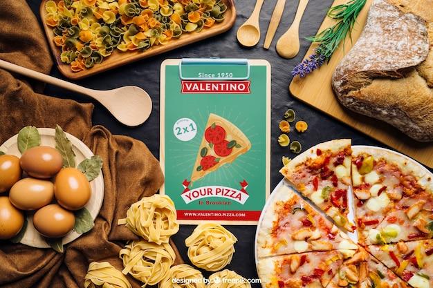 Mockup de placa gráfica com design de pizza