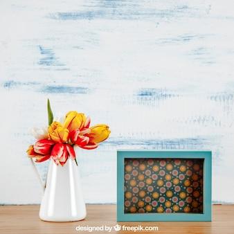 Mockup de primavera com moldura horizontal e vaso de flores