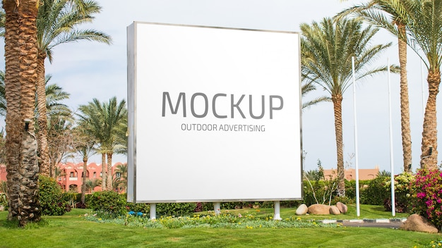 Mockup de publicidade ao ar livre