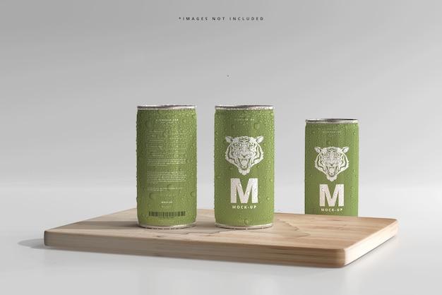 Mockups de mini refrigerante ou lata de cerveja com gotas de água de 180ml