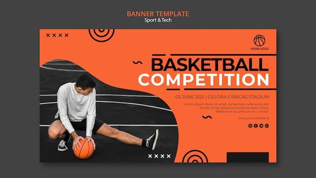 Modelo de banner de competição e homem de basquete