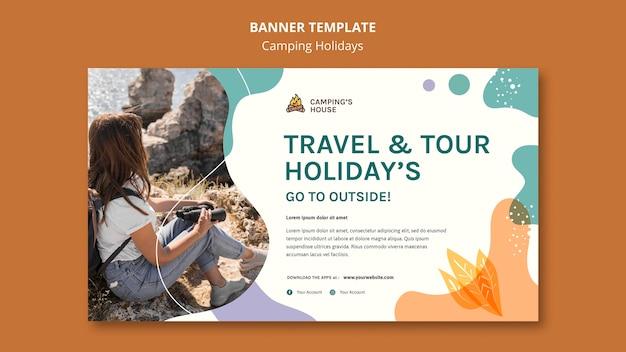 Modelo de banner de férias em acampamento