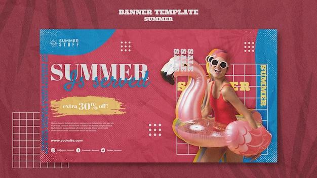 Modelo de banner horizontal para liquidação de verão com mulher