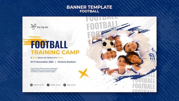 Modelo de banner horizontal para treinamento de futebol infantil