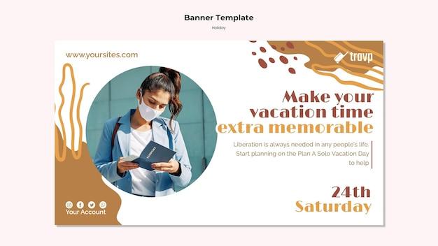 Modelo de banner horizontal para viagens de férias com pessoa usando máscara médica