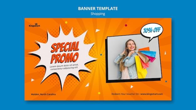 Modelo de banner para compras com mulher segurando sacolas de compras