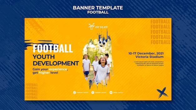 Modelo de banner para treinamento de futebol infantil