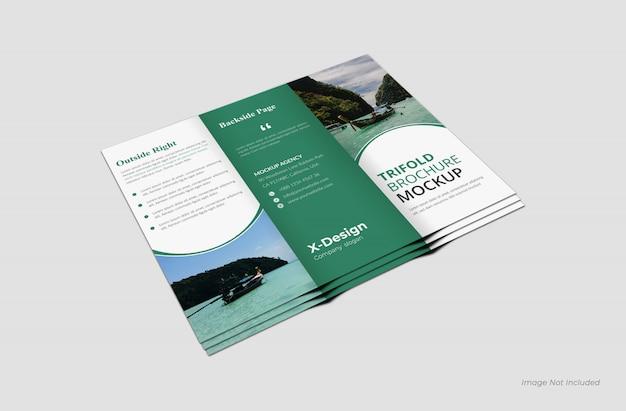 Modelo de brochura com três dobras na parte traseira