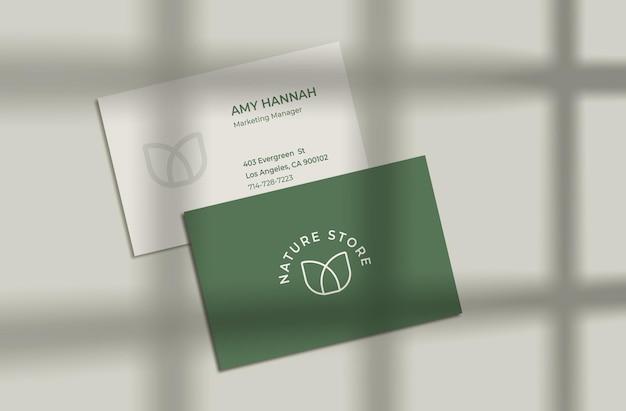 Modelo de cartão de visita com sombra de janela