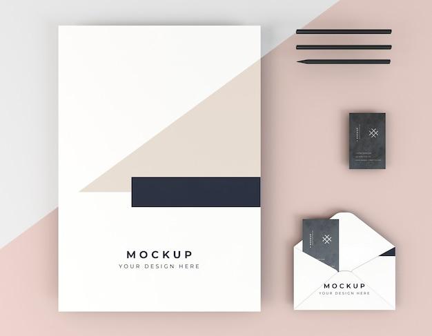 Modelo de cartão de visita e envelope