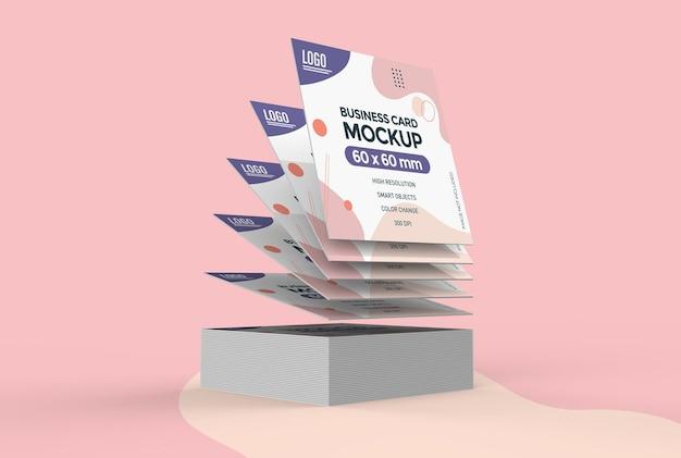 Modelo de cartão de visita quadrado flutuante isolado