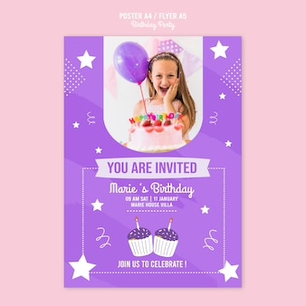 Modelo de cartaz com tema de convite de aniversário